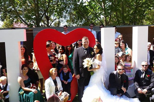 Wedding Hire Melbourne - Hire Giant I Heart U 2m High